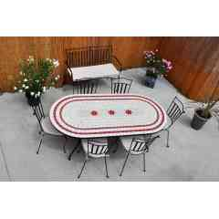 Table mosaique - Table ovale avec 6 chaises et ses coussins.