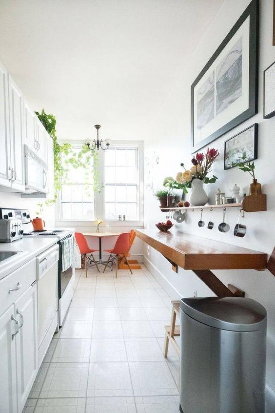 comment aménager un coin repas dans une cuisine couloir ?