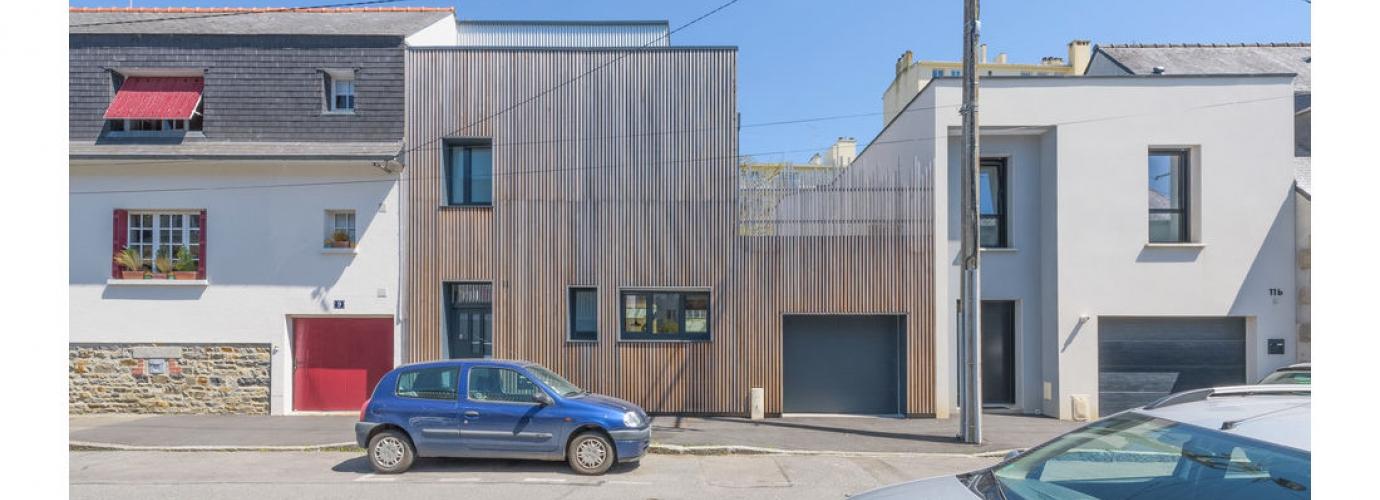 la construction d une maison en blocs de polystyr ne creux foire de paris. Black Bedroom Furniture Sets. Home Design Ideas